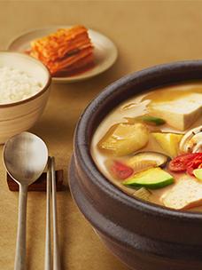 무더운 여름 간편하고 건강한 ''집밥'' 즐겨요! CJ제일제당 비비고 한식 HMR 시리즈
