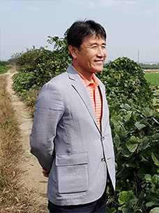연근 농부 김동우님의 모습입니다.