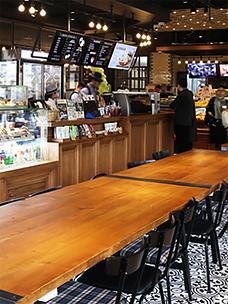 CJ푸드빌 해외 300호점 베이징 FFC몰점 뚜레쥬르 및  투썸 매장 전경