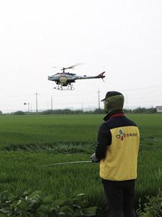 CJ프레시웨이, 계약재배 농가에 항공방제 지원