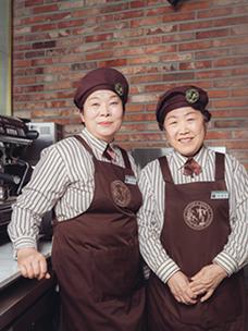 우리 카페 막내는 60세?! 인천공항 실버 카페 '카페 지브라운'을 가다!